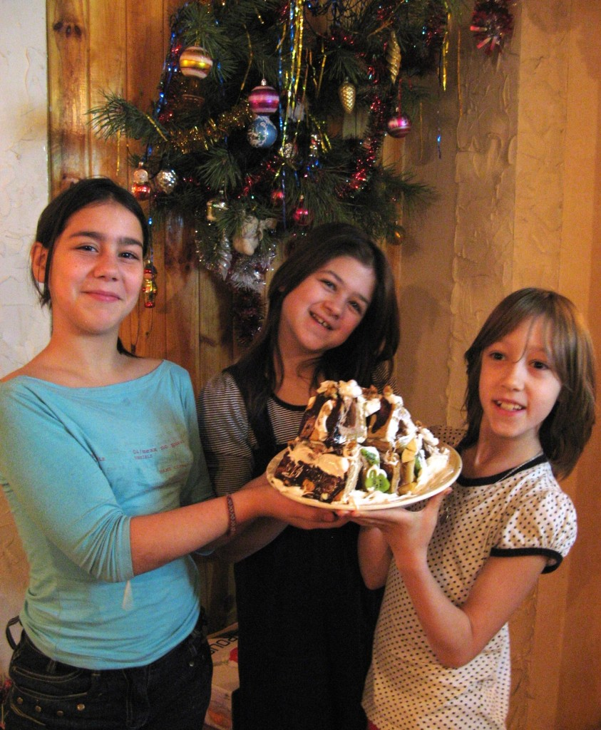 дети с тортиком