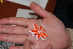 Цветок на ладони