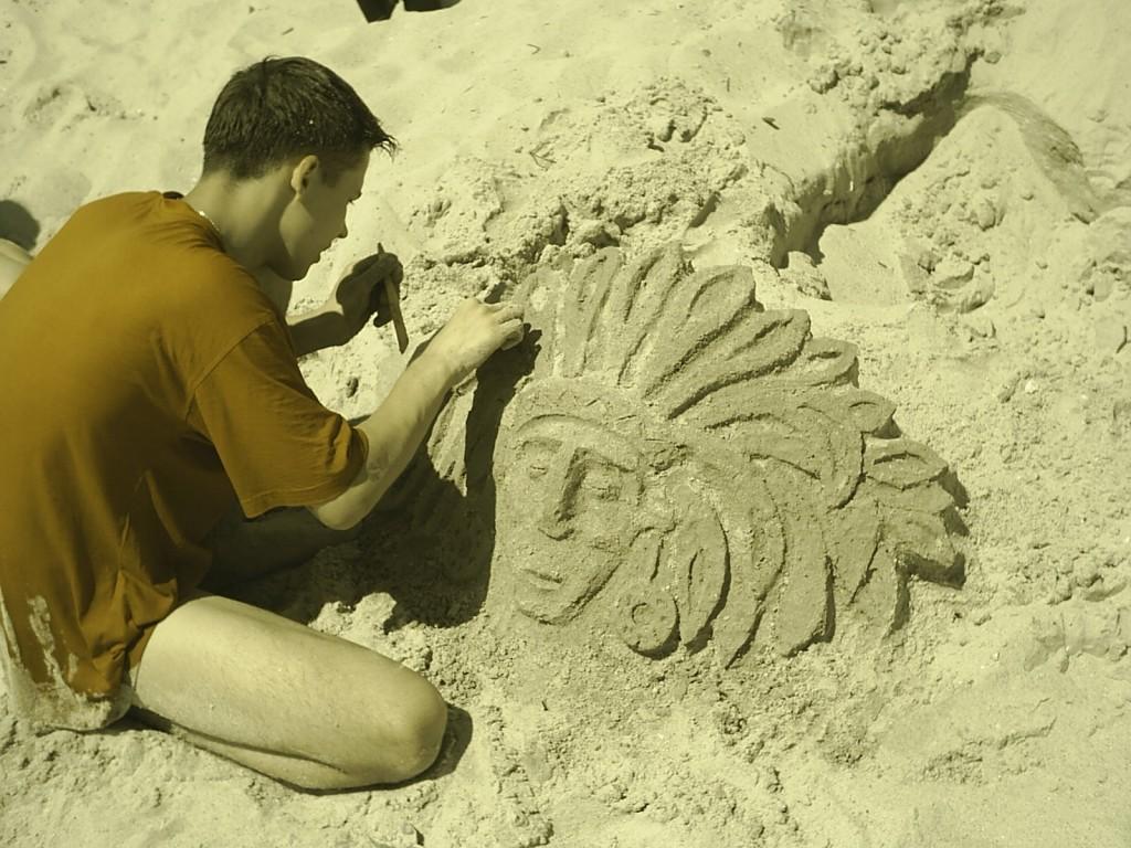 индеец из песка