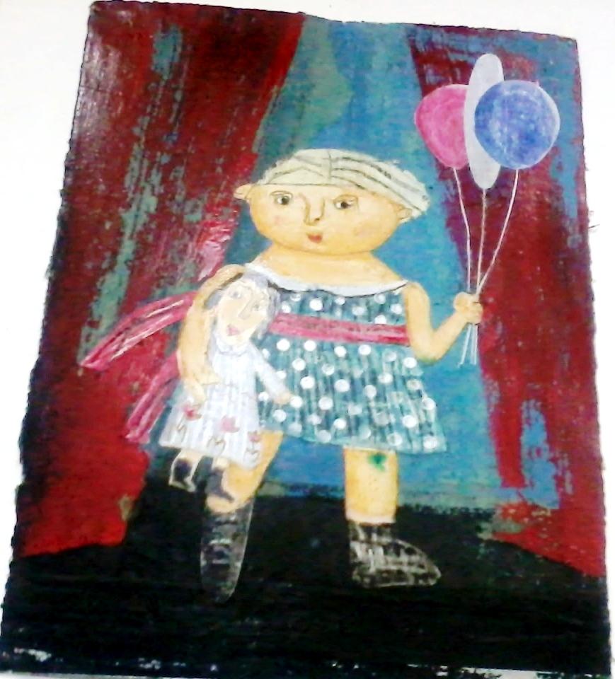 Девочка с куклой и шариками